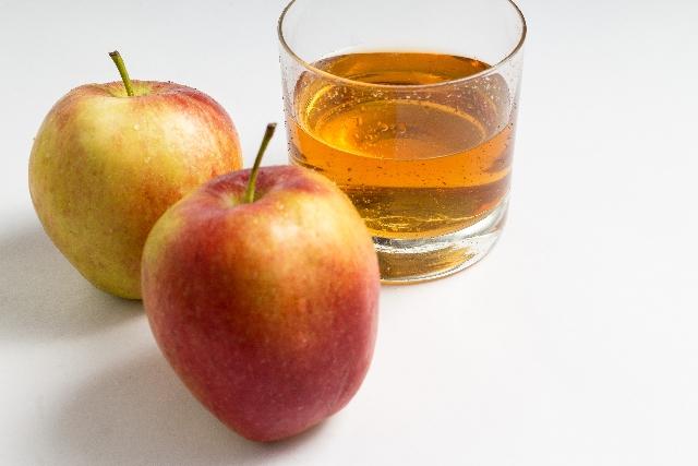 頭皮には、りんご酢がおすすめです