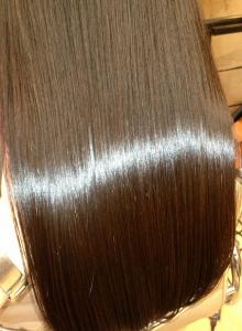 サラサラなツヤのある髪の毛