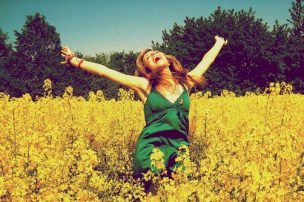 girl-happy-joy-yellow-flowers-field-summer (2)