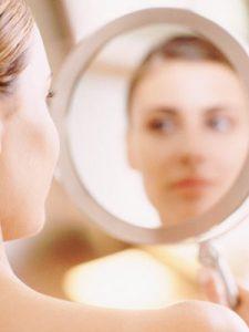 woman-looking-in-mirror1