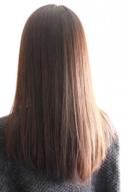 髪を伸ばす