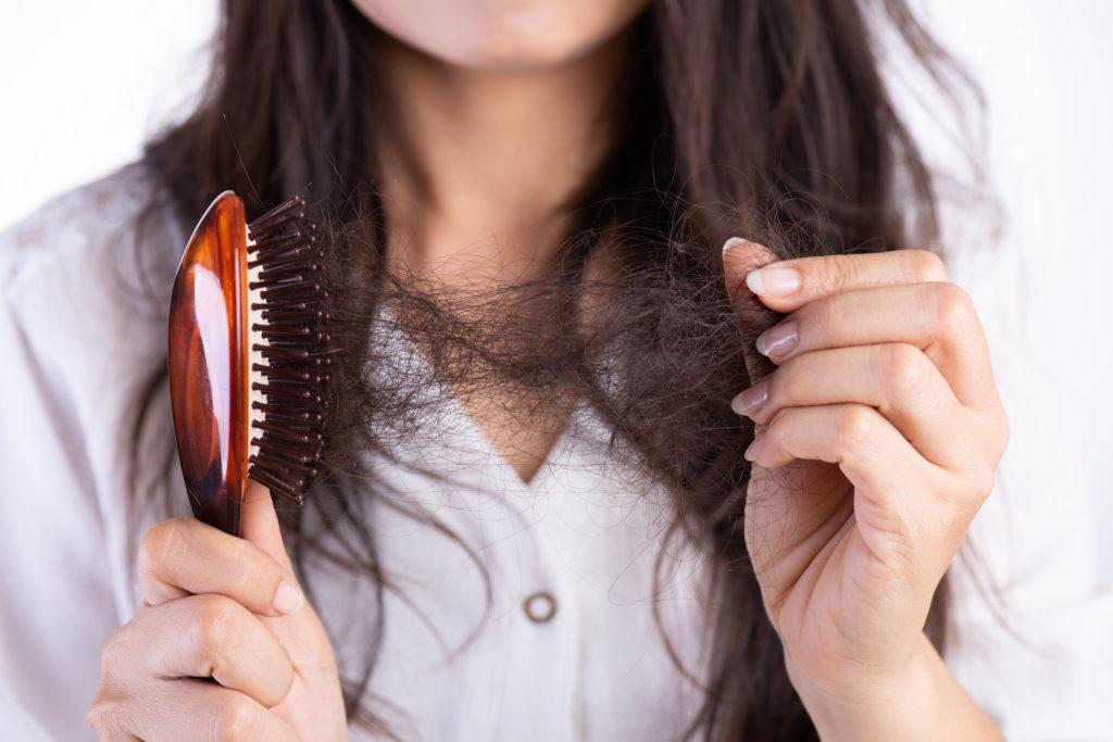 髪と頭皮へのダメージ