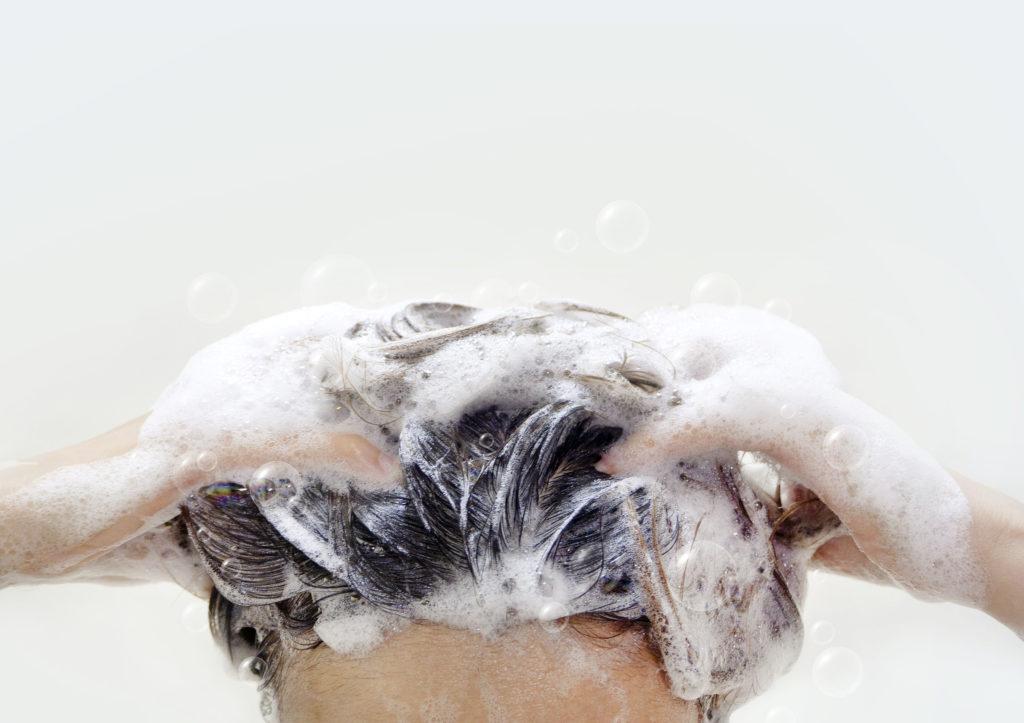 泡でやさしく洗う