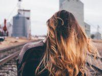 髪の毛が絡まる3つの原因と、3つの対処法