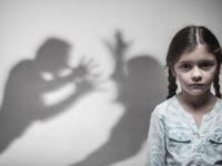 子供が乱暴な言動をとる原因と4つの対処法