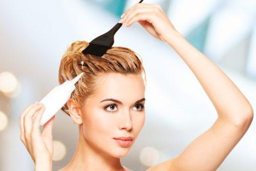【美容師に聞く】白髪を明るい色に染める方法&市販の明るい白髪染めおすすめ7選