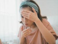 おでこの汗で前髪が張り付いてしまう原因と対策5選
